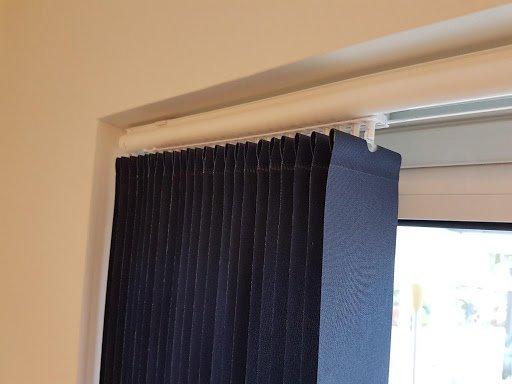 vertical blind headrail